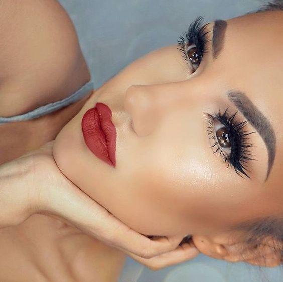 Application Of Makeup
