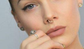 Applying Eye Makeup For Hooded Eyes