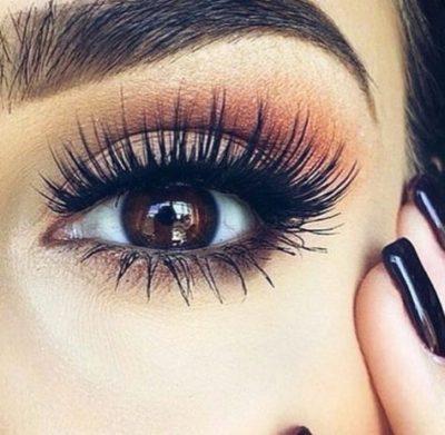 Applying Mascara Perfectly