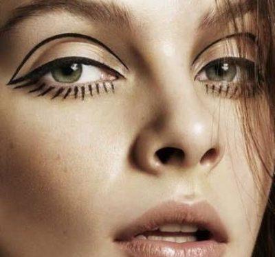Applying A Natural Look Makeup