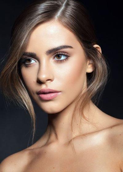 a light makeup look
