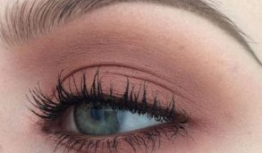 How To Apply Eyeshadow And Mascara